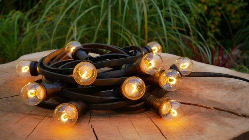 Na zdjęciu girlanda z żarówkami LED filament 0,6W 50 lm