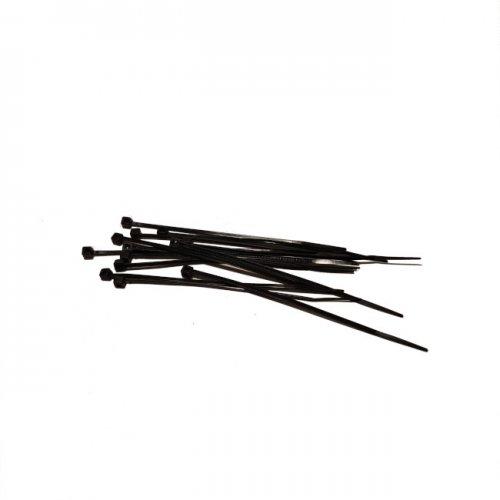 Na zdjęciu opaski zaciskowe czarne, tzw. tytyrytki do montażu girland żarówkowych