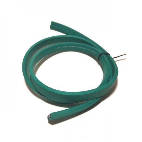 Zdjęcie przedstawia zielony przewód płaski do budowy girland świetlnych